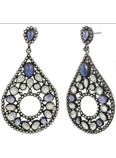 Vintage style earring